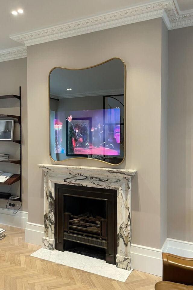 No69-Slimline-Curvy-TV-Mirror-over-recess-ON