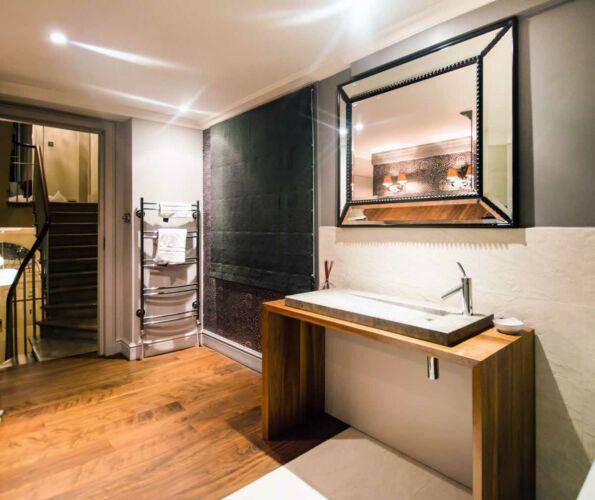 No35-French-Cushioin-Bathroom-Mirror